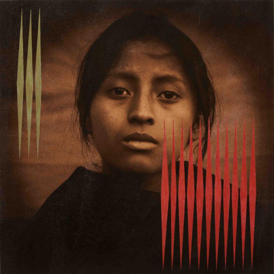 Las fotografía se mezcla con la pintura en una mezcla etérea. (Foto: Luis González Palma)