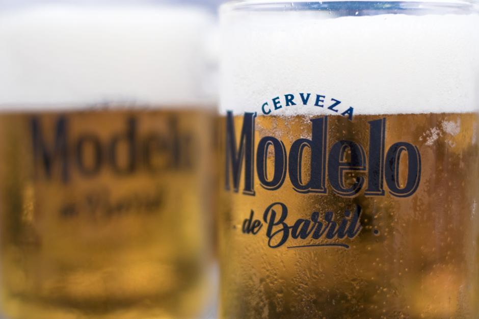 La cerveza Modelo de Barril llega al mercado guatemalteco a partir de este mes. (Foto: Eddie Lara/Soy502)