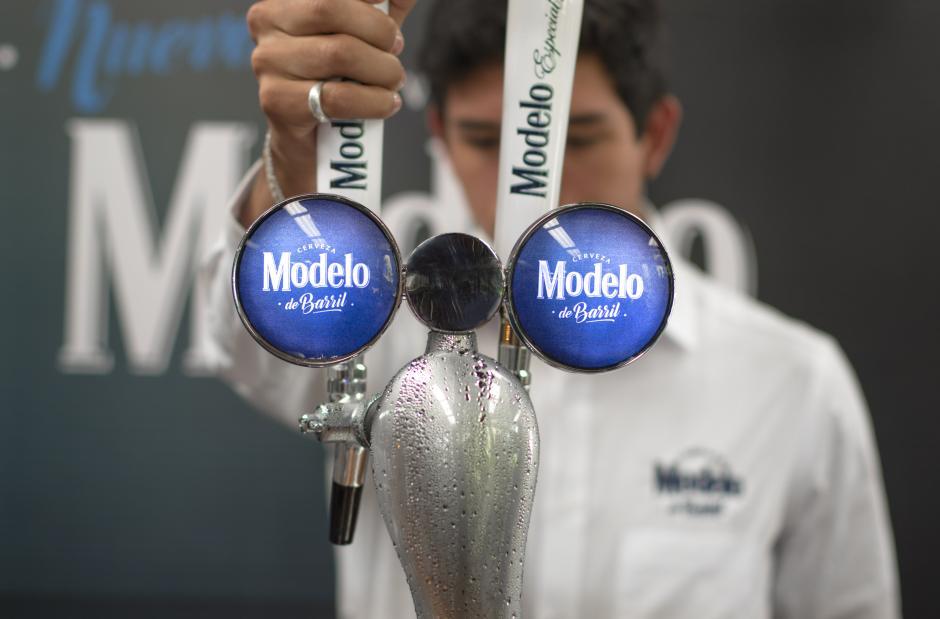 El dispensador permite enfriar la cerveza a -2°C. (Foto: Eddie Lara/Soy502)