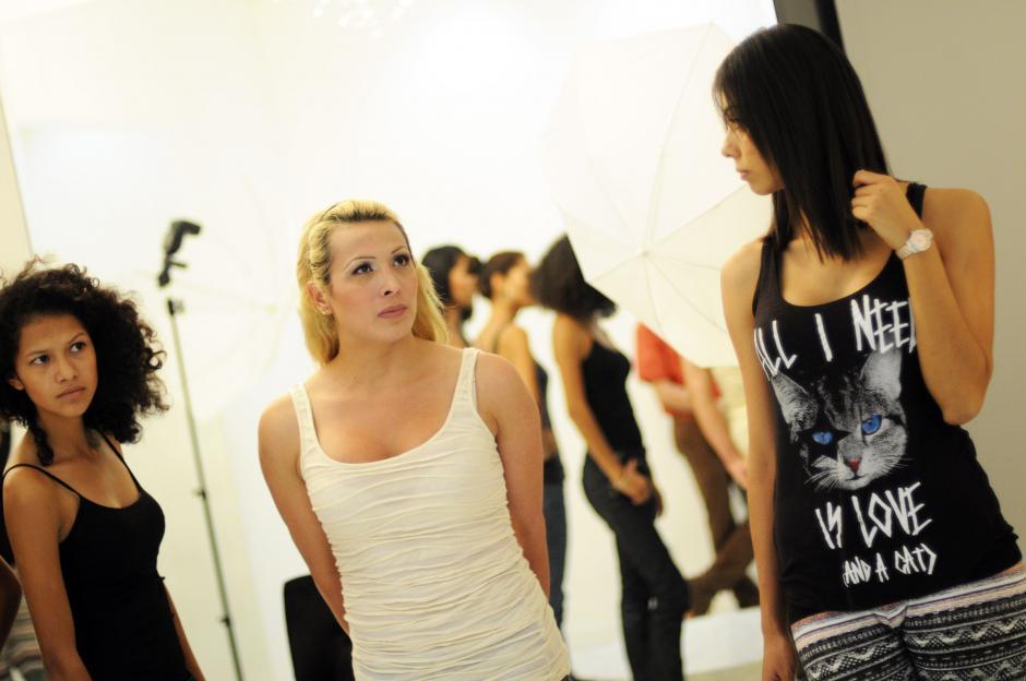 Sasha Taylor, la primera modelo transgénero del país desfilará en pasarela.