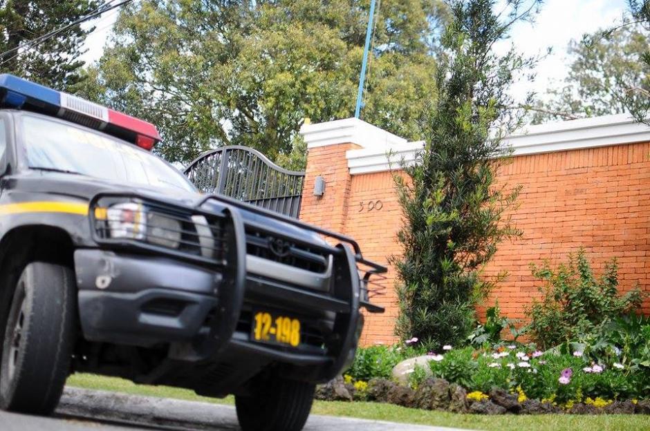 La PNC apoyó durante el operativo en zona 15 en el caso La Línea. (Foto: Alejandro Balan/Soy502)