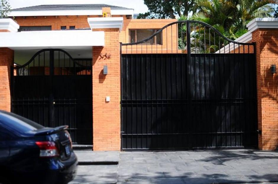 Esta es la fachada de la vivienda del exmandatario Otto Pérez Molina quien guarda prisión. (Foto: Alejandro Balan/Soy502)