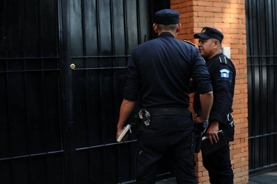 La Policía Nacional Civil y el MP realizaron 12 allanamientos en caso La Línea. (Foto: Alejandro Balan/Soy502)