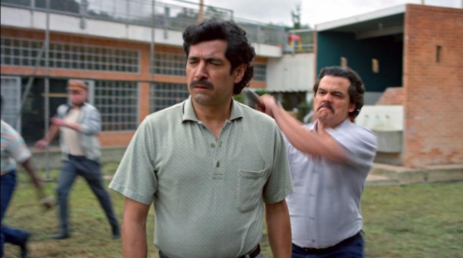Pablo le perdonó la vida a Moncada, quien estaba secuestrado por el cartel de Cali, pero cuando llegó la orden de parar su asesinato fue tarde. (Foto: Netflix)