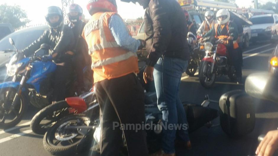 Internautas criticaron la actitud de los motoristas. (Foto: @@PampichiNews)