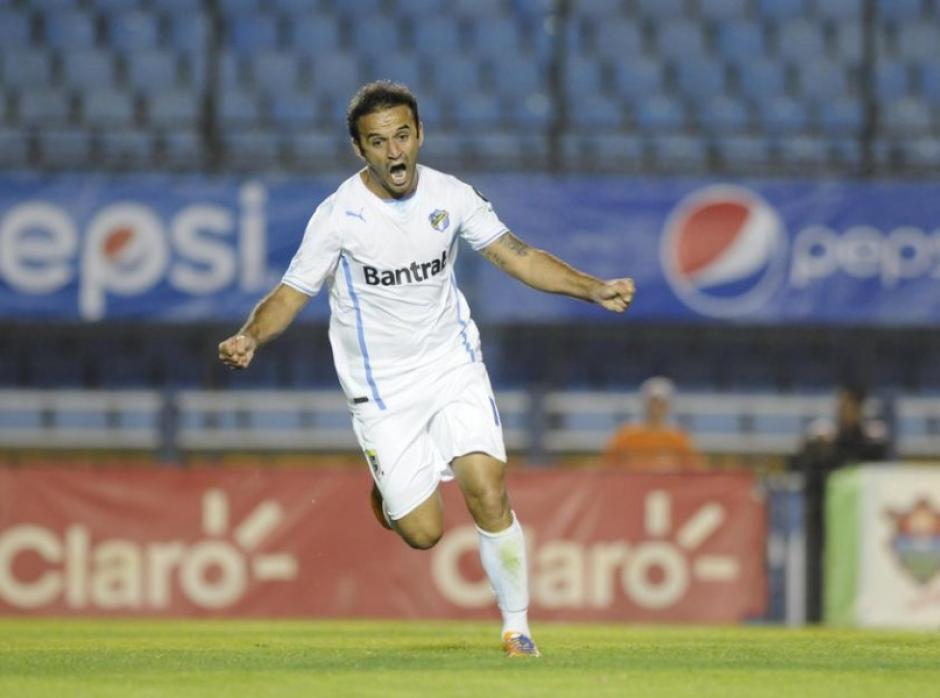 """""""El Moyo"""" podría ligarse a Municipal, Antigua o a un club en Colombia. (Foto: Archivo)"""