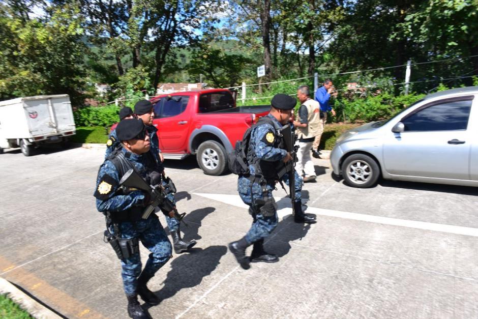 La Fuerzas Especiales de la PNC llegaron al lugar. (Foto: Jesús Alfonso/Soy502)