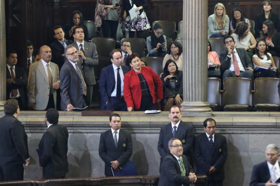 Los jefes del MP y la CICIG se pararon de sus asientos para ver la votación de los diputados. (Foto: Alejandro Balán/Soy502)