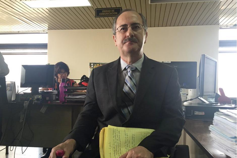 El expresidente del Congreso, Pedro Muadi, se presentó al Juzgado Undécimo por caso de plazas fantasmas. (Foto: Evelyn de León/Soy502)