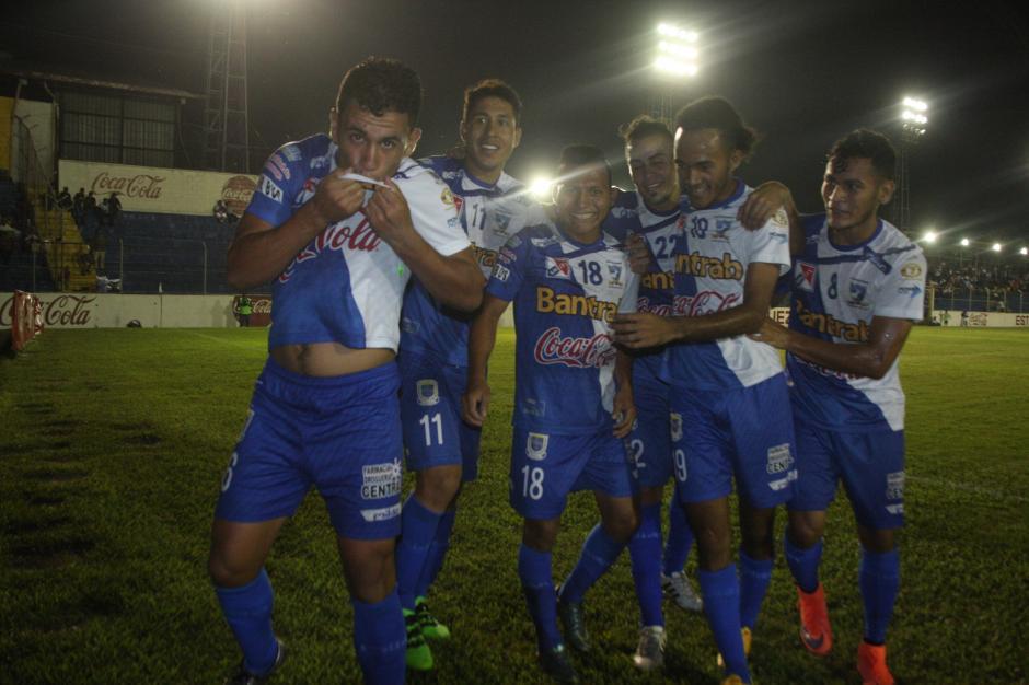 Suchi ganó su décimo partido del Clausura 2016 y se consolida en el liderato. (Foto: Nuestro Diario)