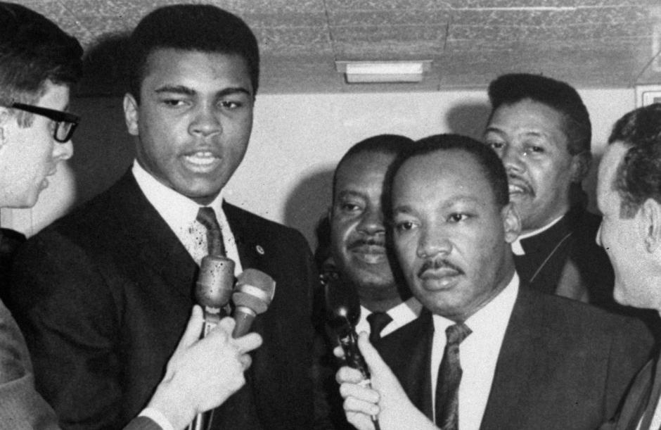 Muhammad Ali y Martin Luter King  una foto con muhca historia. (Foto: