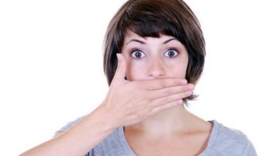 Soñar que te encuentras desnudo en público puede significar que le das mucha importancia a lo que dicen las personas de ti. (Foto: soymamaynomecompadezcas.com)