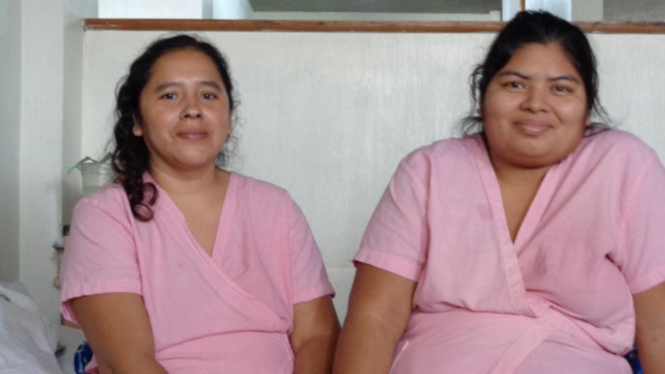 Alicia Ramírez y Sandra Esquivel luchan por ganar la batalla del cáncer de cérvix. (Foto: Ana García/Soy502)