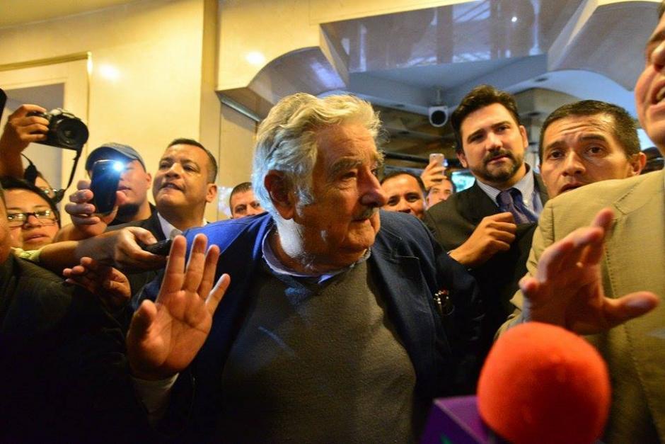 El expresidente uruguayo José Mujica llegó a Guatemala para participar del Foro Esquipulas. (Foto: Wilder López/Soy502)
