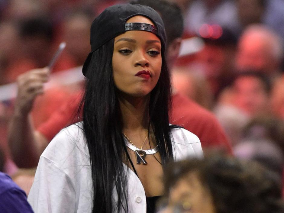 Rihanna ha estado saliendo últimamente con Travis Scott
