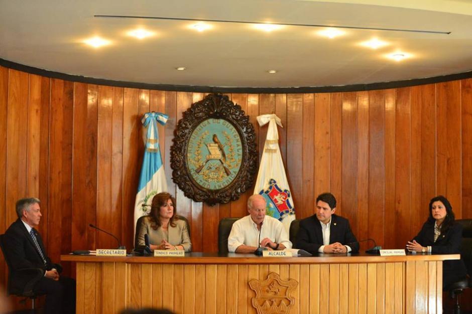El alcalde Álvaro Arzú presentó sus nuevos proyectos. (Foto: Jesús Alfonso/Soy502)