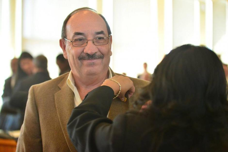 Los nuevos concejales fueron juramentados por Álvaro Arzú. (Foto: Jesús Alfonso/Soy502)