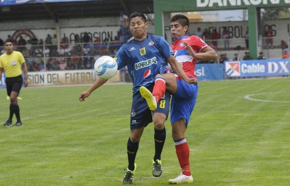Municipal enfrenta a Xelajú en estadio del Trébol foto