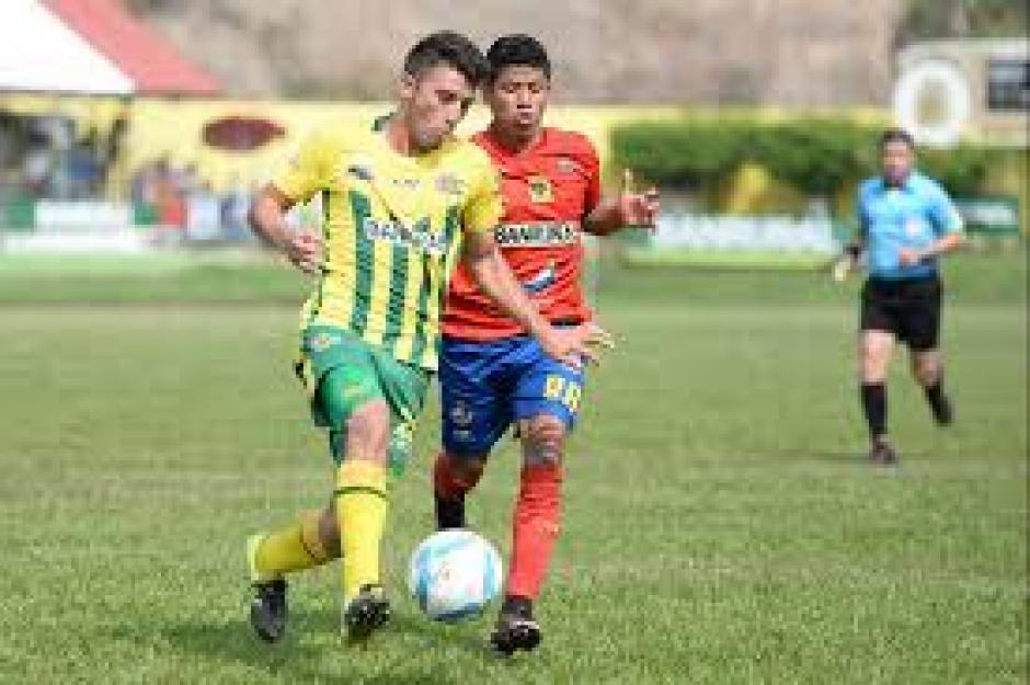 Los Rojos de Municipal enfrentaron al equipo de Petapa. (Foto: Nuestro Diario)