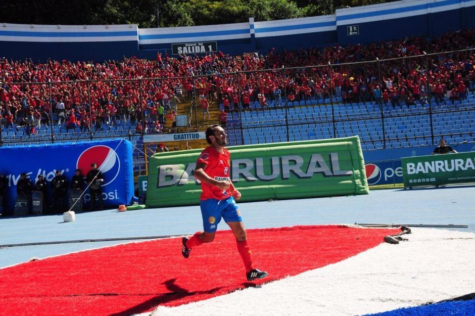 Gastón Puerari anotó el gol que empató la serie final y llevó a tiempos extras. (Foto: Luis Barrios/Jorge Rojas/Soy502)