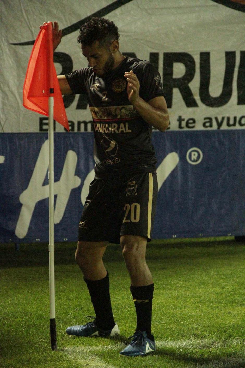 Danilo Guerra sigue con su buena racha, anotó el primero. (Foto: página oficial de Municipal)