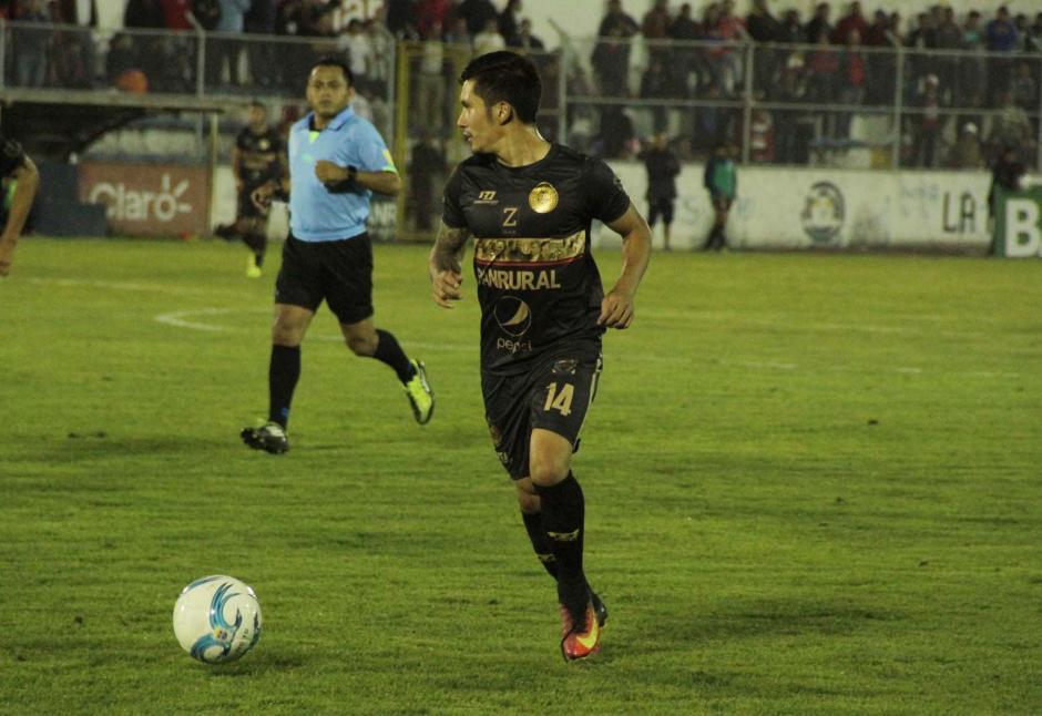 El salvadoreño Jaime Alas volvió a ser titular en la alineación roja. (Foto: página oficial de Municipal)