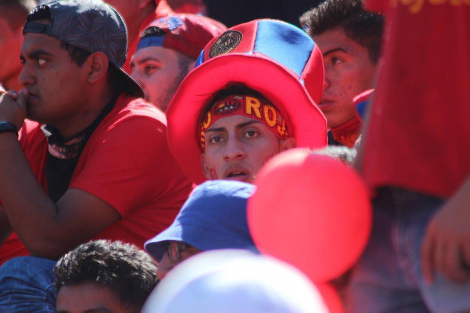 La afición de los rojos llegó desde temprano al estadio. (Foto: Luis Barrios/Jorge Rojas/Soy502)