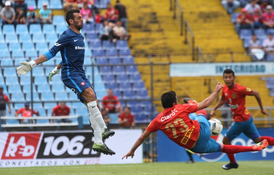 Los rojos cayeron 0-1 en el amistoso frente a San Lorenzo. (Foto: Luis Barrios/Soy502)