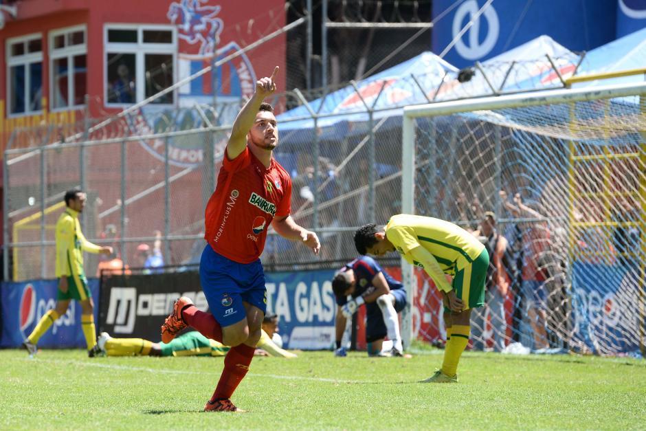 Henry López ingresó de cambio y a los minutos anotó el gol de la victoria para Municipal. (Foto: Nuestro Diario)