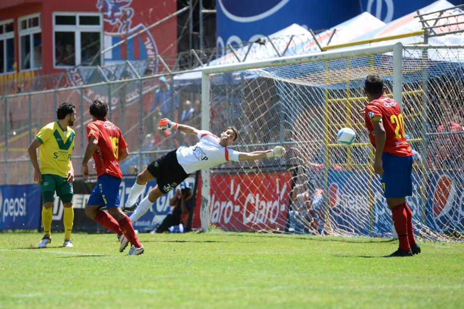 Goleada histórica de Municipal; ocho goles a Petapa en el estadio El Trébol. (Foto: Nuestro Diario)