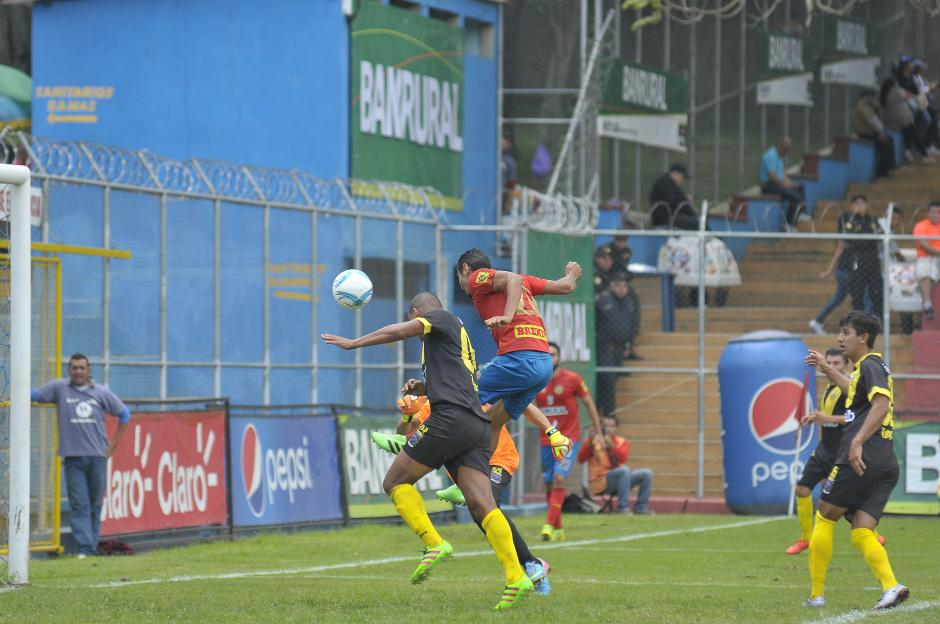 Ambos goles fueron de cabeza, el primero de Danilo Guerra. (Foto: Nuestro Diario)