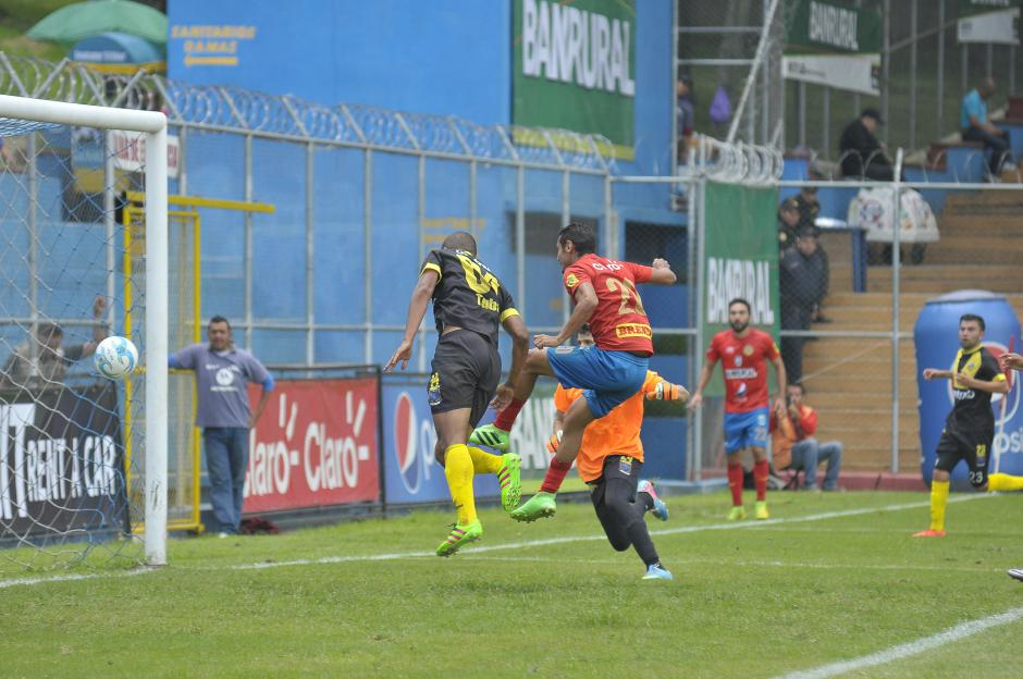 El delantero anotó el primero del partido y de su cuenta en este torneo. (Foto: Nuestro Diario)
