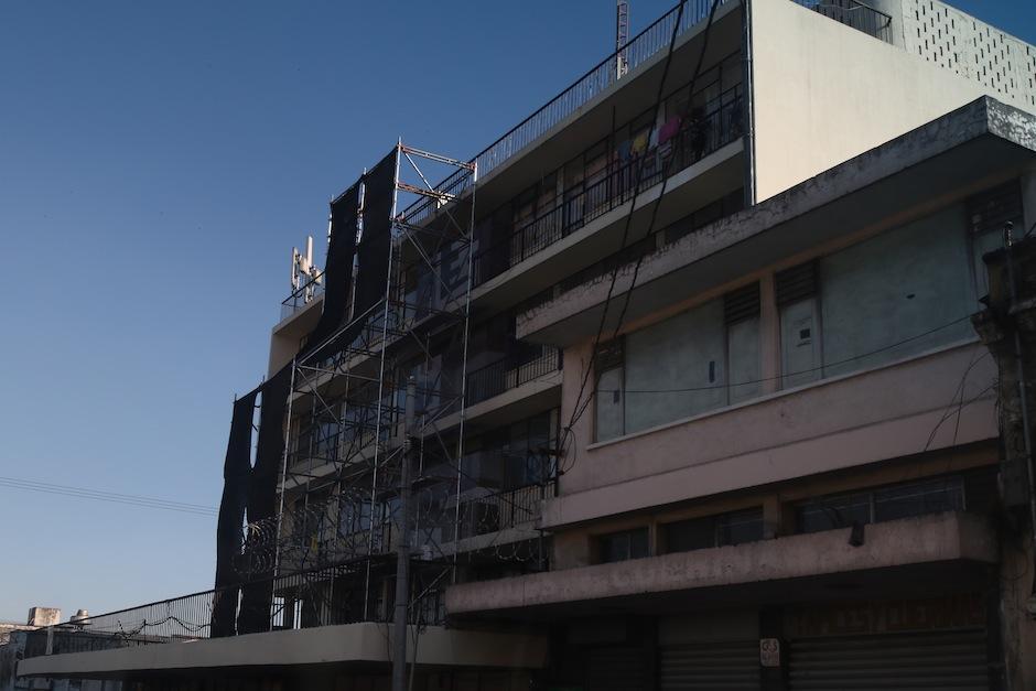 Así lucen ahora los trabajos de recuperación de la pieza en el Edificio Roma. (Foto: Alejandro Balan/Soy502)