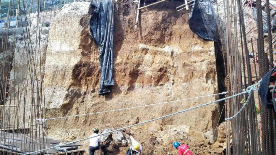 El accidente ocurrió en una construcción de la zona 15, Vista Hermosa. (Foto: Twitter, Bomberos Voluntarios)