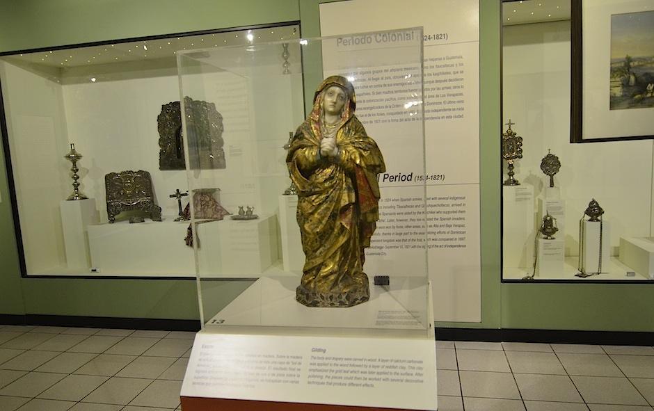 En el arte colonial prevalecen los motivos religiosos. (Foto: Selene Mejía/Soy502)