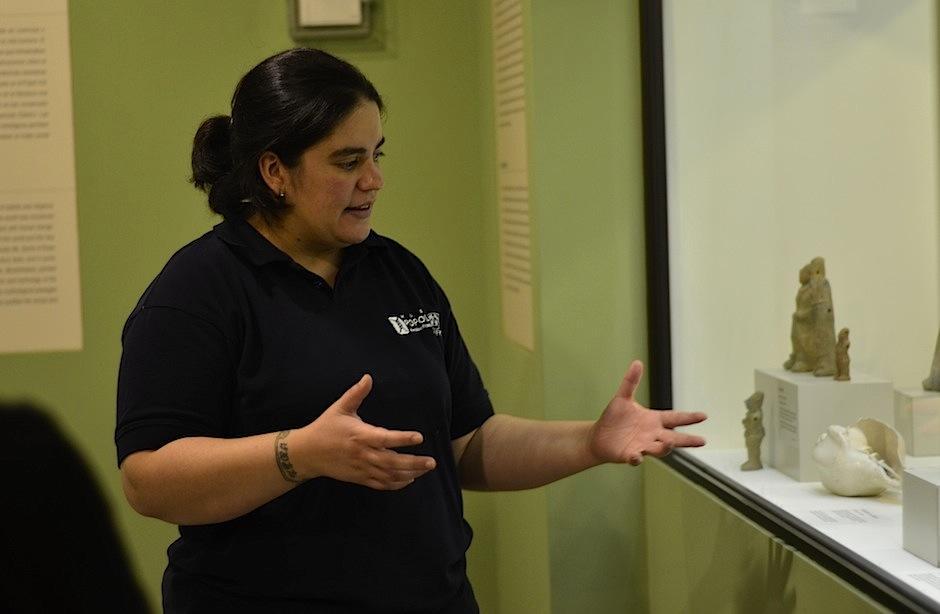 La antropóloga Andrea Terrón es la curadora del museo. (Foto: Selene Mejía/Soy502)