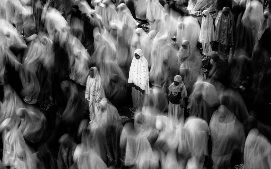 Durante un viaje rápido a Jakarta el fotógrafo aprovecho la temporada, sabiendo que pronto se celebraría el Ramadán. Logro capturar una imagen en donde se ven a devotos musulmanes en plena ceremonia religiosa. (Foto: Evan Foster/National Geographic)