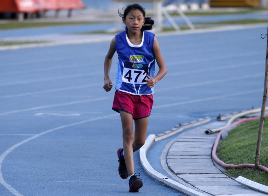 Yaquelin MIshell Teletor, ganó en la categoría Sub 14 femenina. (Foto: Federación de Atletismo)
