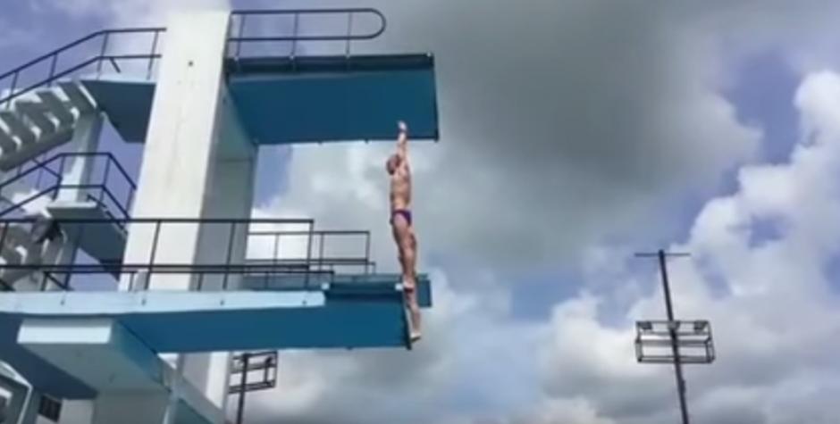 Un atleta ruso estuvo en peligro durante una práctica en La Habana, Cuba. (Foto: Captura de YouTube)