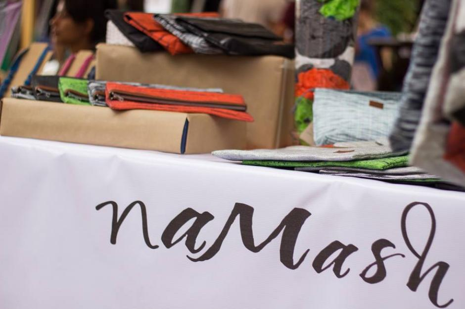 Aunque no lo creas los bolsos están hechos de bolsas plásticas. (Foto: Namash)