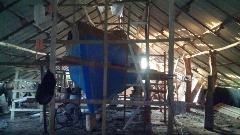 Este es el sumergible que se construía en cercanías de la playa Las Lisas en Santa Rosa. (Foto: Ministerio de Gobernación)