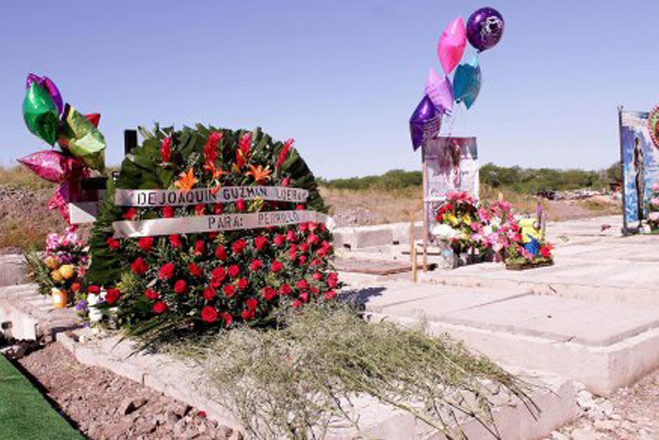 """El Chapo"" Guzmán envió un arreglo floral a la tumba de ""El Perrillo"". (Foto: Google)"