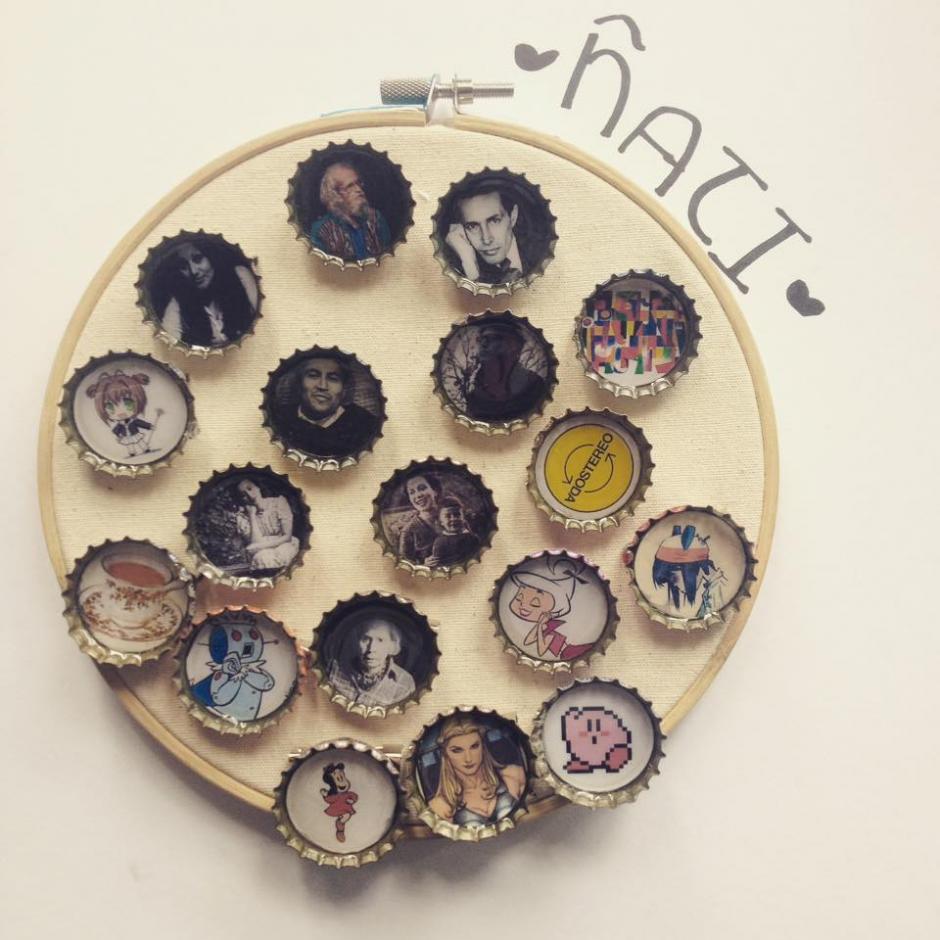 PInes, aretes y anillos hechos de tapita tienen tus personajes favoritos. (Foto: Ñati)