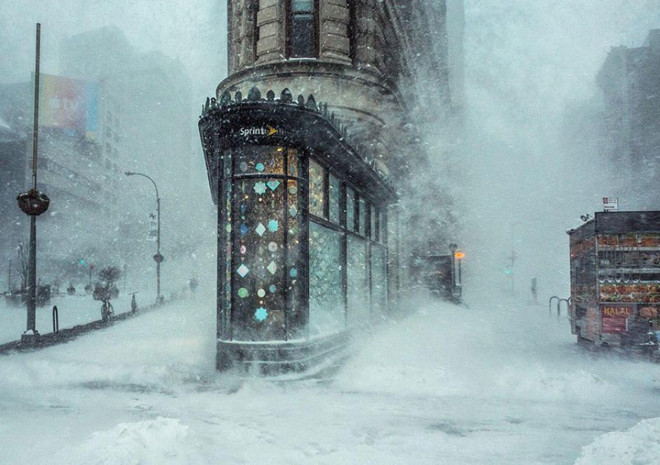 El edificio Flatiron captado durante el paso de una nevada en Nueva York. (Foto: Michelle Palazzo/National Geographic)