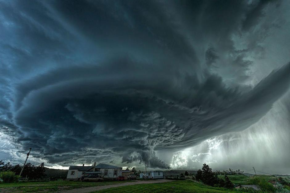 Increíble formación de nubes que darán paso a un posible tornado en Dakota del Sur. (Foto: James Smart/National Geographic)