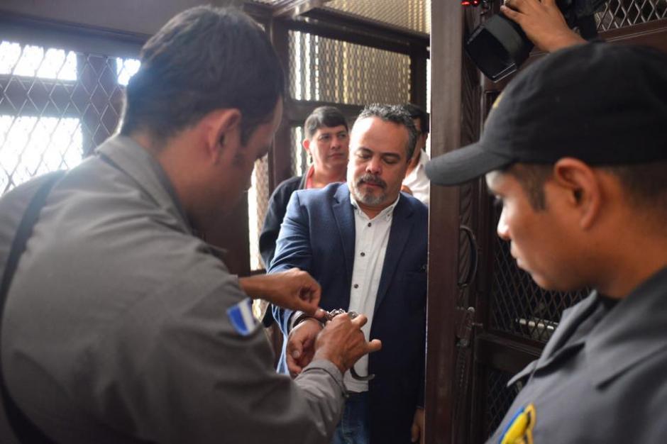 Hugo René Navas uno de los médicos que fungía como director de la Policrínica del IGSS durante la audiencia. (Foto: Jesús Alfonso/Soy502)