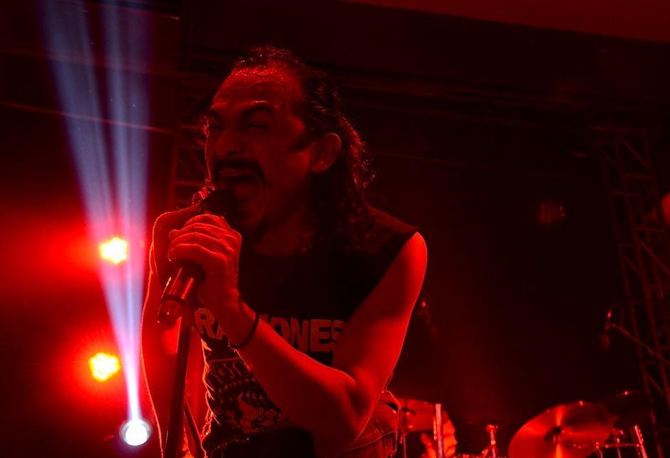 La poesía de las letras de la banda salieron de la boca de Neco. (Foto: Selene Mejía/Soy502)
