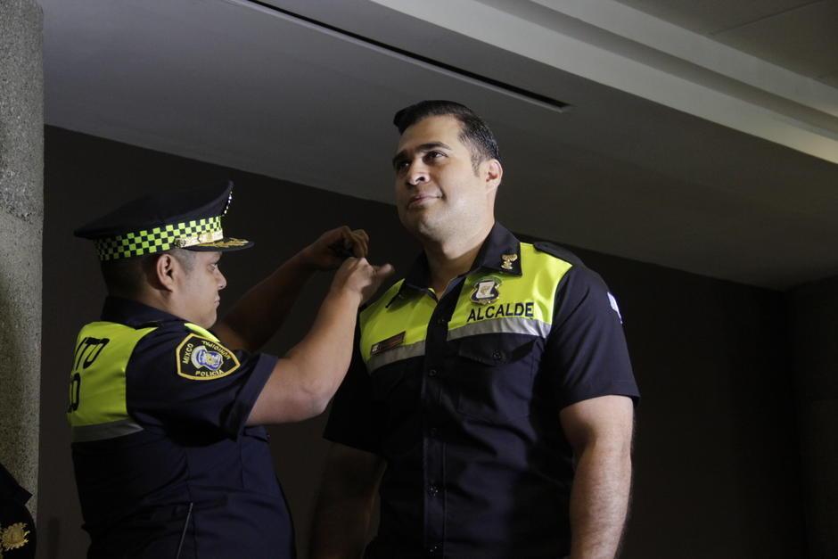 Neto Bran fue juramentado como Policía Municipal de Tránsito. (Foto: Facebook/Neto Bran)