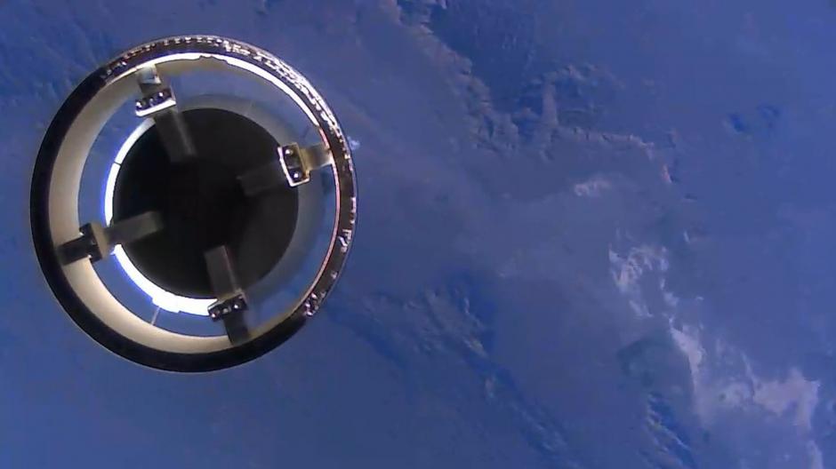 La cápsula New Shepard se separa del módulo de propulsión del cohete que regresó y aterrizó de nuevo en la Tierra. (Foto: New Origin)