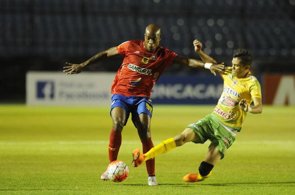 Woodly, sumó su segundo gol en la Liga de Campeones de Concacaf con Municipal. (Foto: Nuestro Diario)